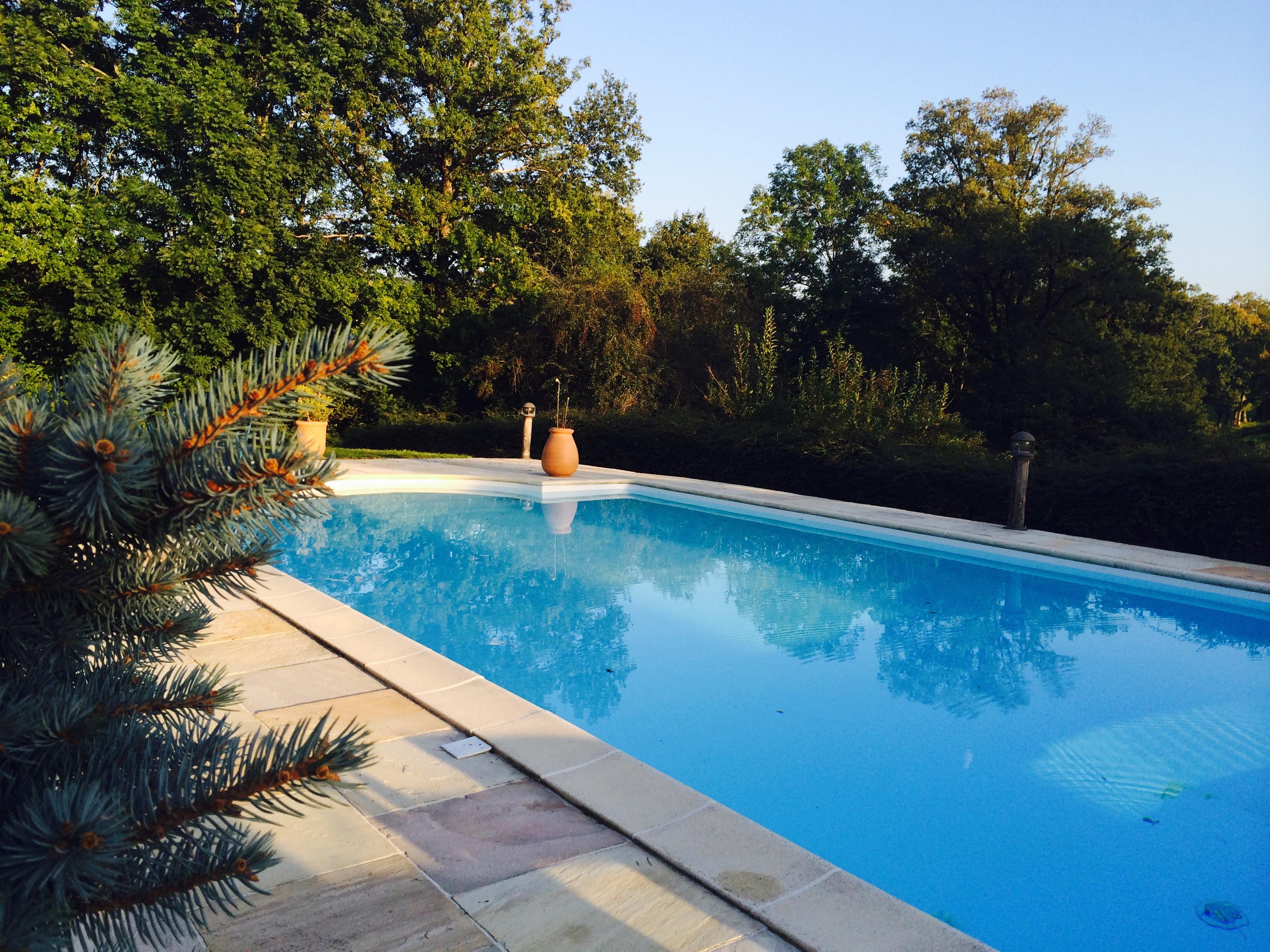 Construction D Une Piscine construction d'une piscine, quelles formalités à respecter ?